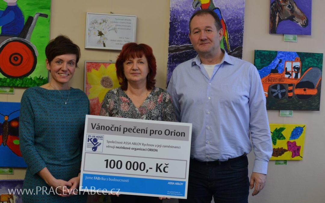 Zaměstnanci ASSA ABLOY Rychnov opět napekli cukroví za 100 tisíc